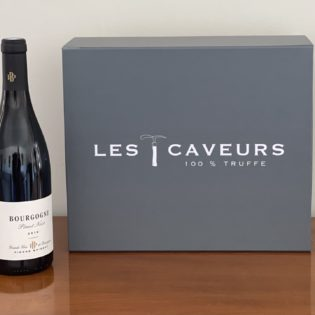 Cave ta truffe avec le Pinot noir maison Pierre Brisset Etiquette coffret truffe fraîche française - LES CAVEURS